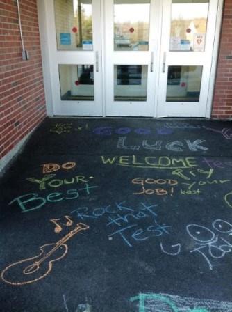 motivational sayings written in chalk on sidewalk
